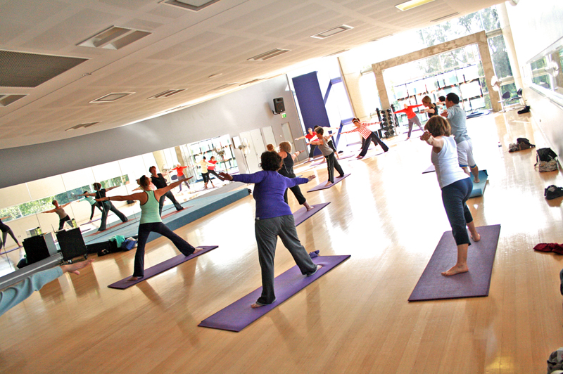 Yoga_Class_at_a_Gym2